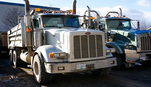 2009 Peterbilt Dump Truck with Tri-axle pup